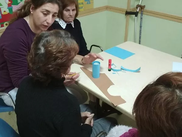 Información y asesoramiento a personas mayores solas